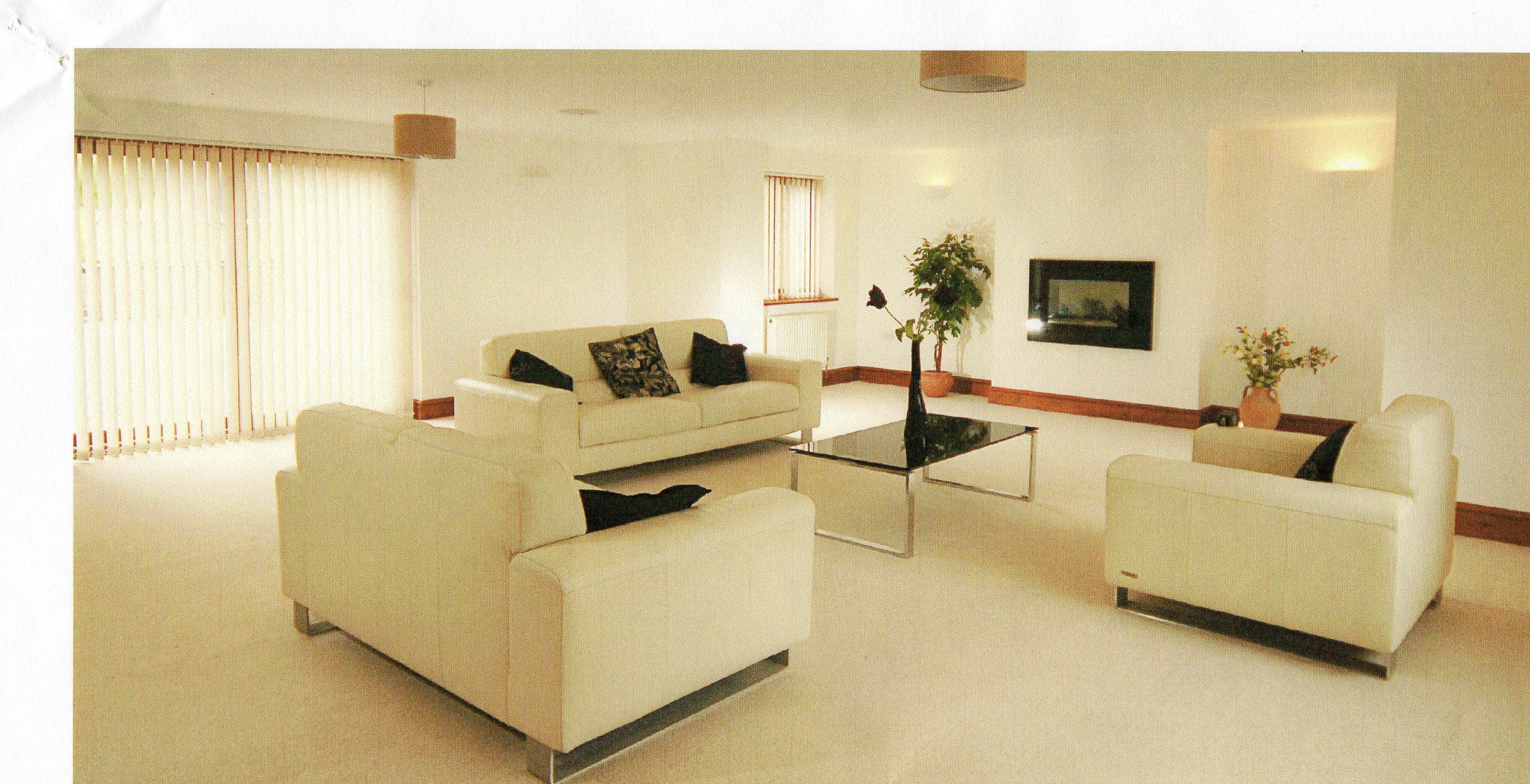 Oak Tree House Lounge